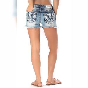 Charme By Grace In LA Exposed Pocket Jean Shorts